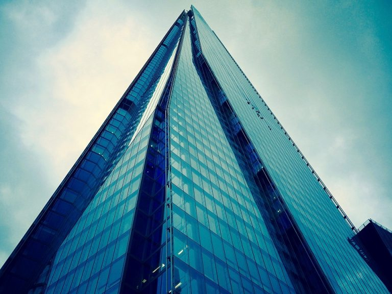Cleaning London's iconic glass buildings