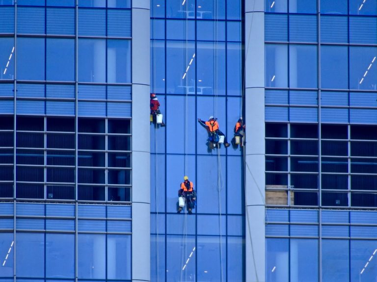 window cleaning for high-rise buildings