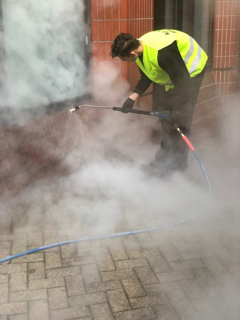 steam cleaning facades